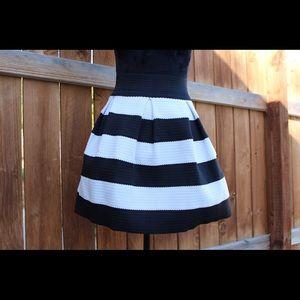 Xhiliration black/white full mini skirt.